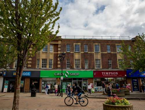 Retail high street Rotherham, S65 1BL - 2-6 Effingham Street - 91