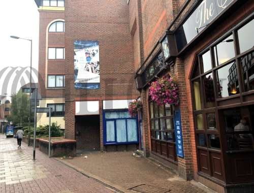Retail high street Redhill, RH1 1QT - 11 Queensway - 1705