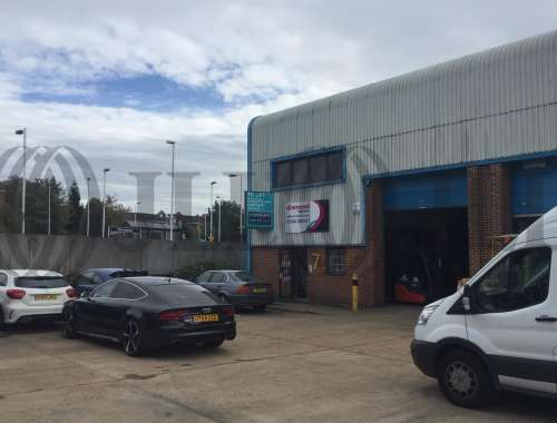 Industrial and logistics Wokingham, RG41 2YQ - Unit 7 Station Industrial Estate - 8016