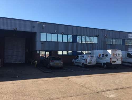Industrial and logistics Colnbrook, SL3 0AX - Unit 10, Trident Industrial Estate - 10