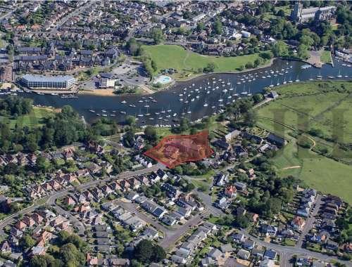 Land Bournemouth, BH6 4LA - Broadwaters - 81096