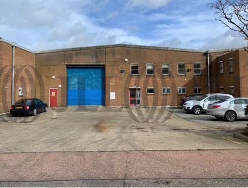 Industrial and logistics Dunstable, LU6 1BD - Unit 3 Lawrence Trading Estate - 1