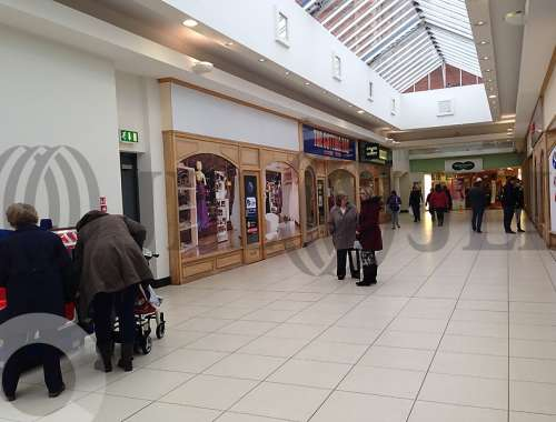 Retail shopping centre Trowbridge, BA14 8AT - Trowbridge - Unit 17 The Shires - 17
