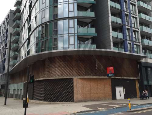 Retail high street London, E15 3PA - 160 High Street - 0740