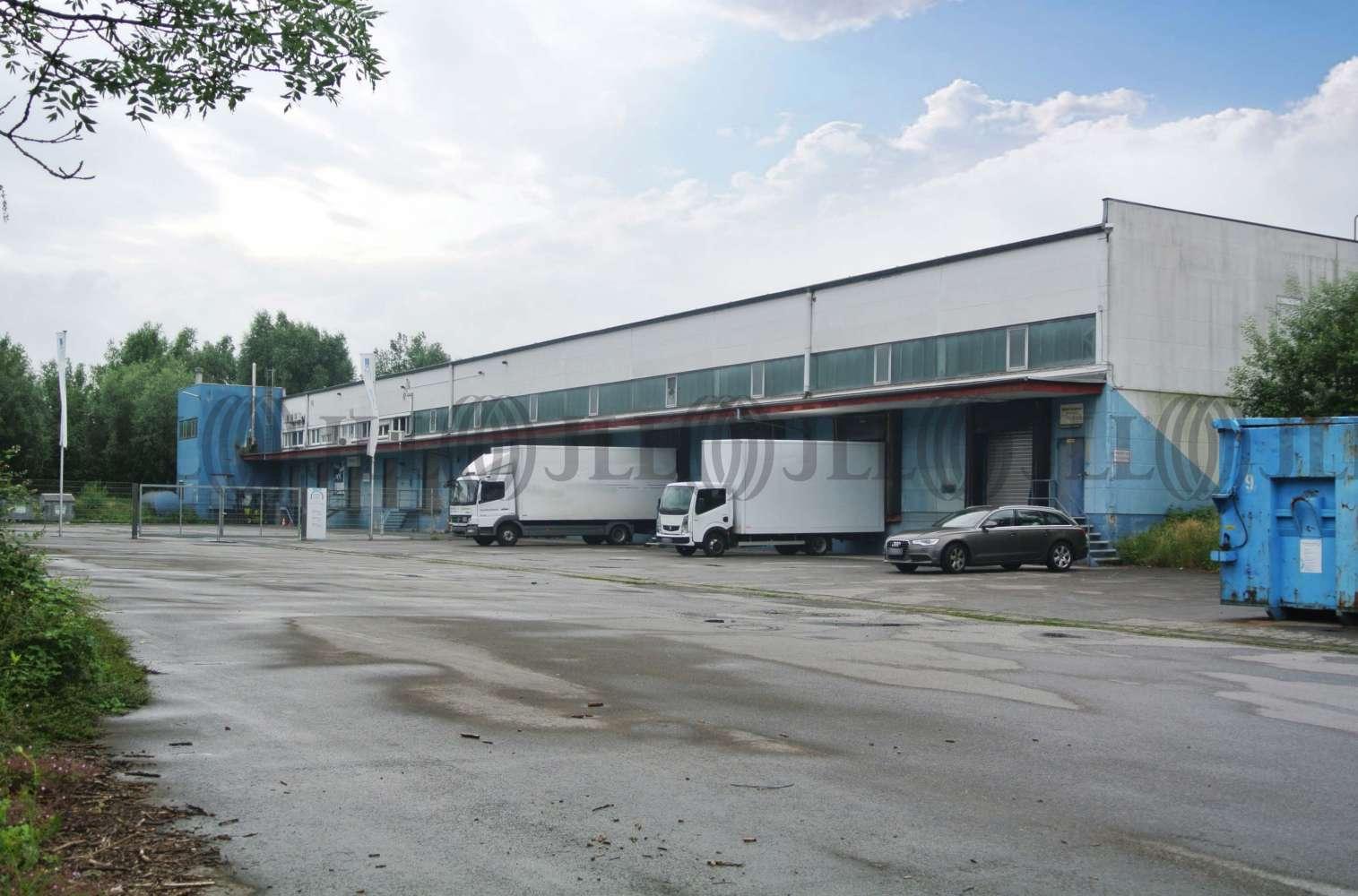Hallen Bochum, 44793