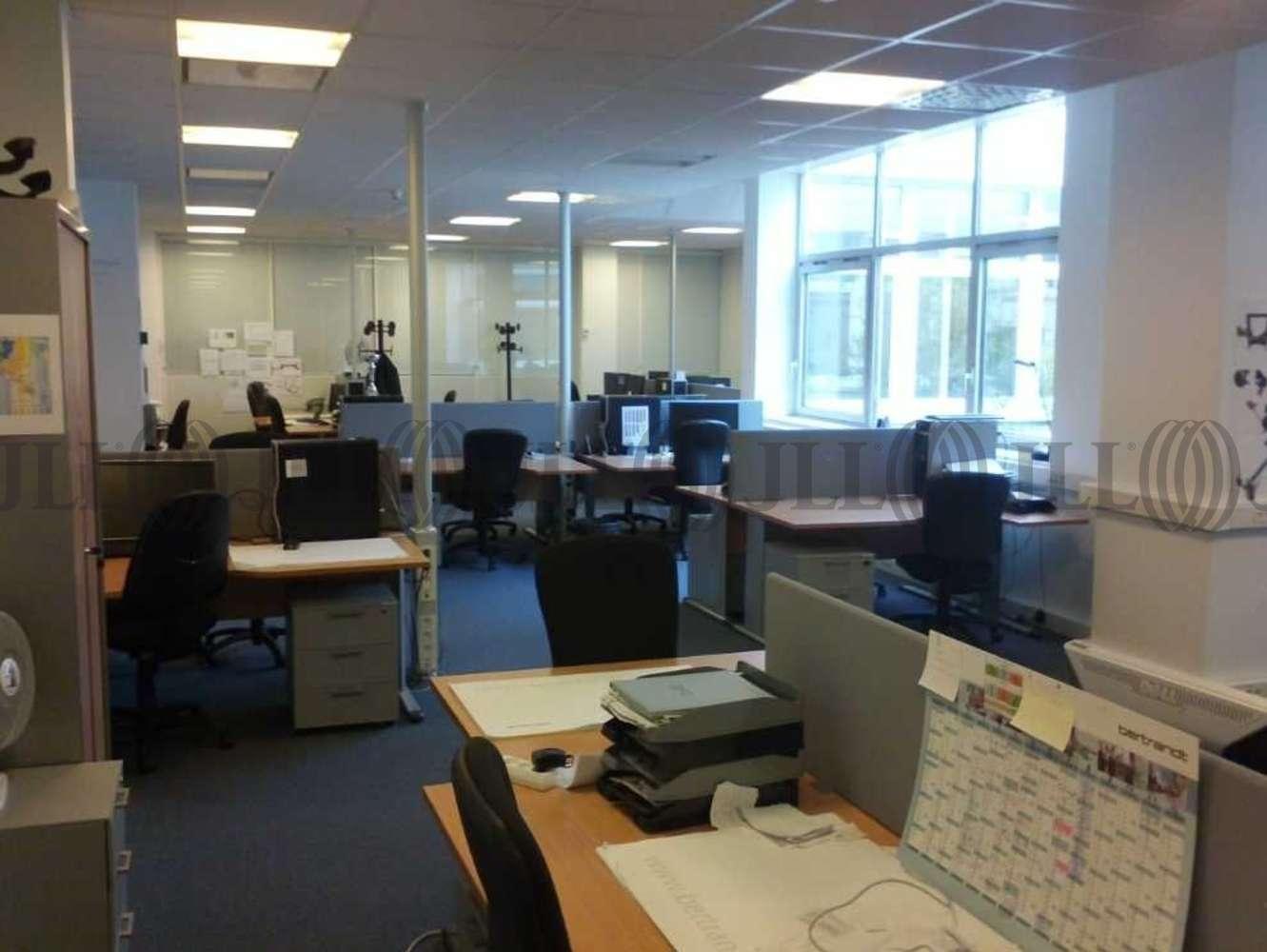Bureaux Bievres, 91570 - PARC BUROSPACE