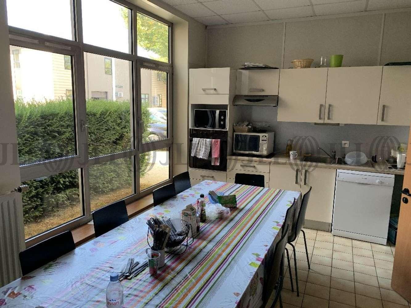 Bureaux Voisins le bretonneux, 78960 - PARKILE