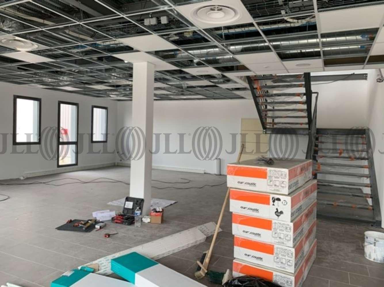 Activités/entrepôt Corbas, 69960 - 32 RUE DE COLLIERES
