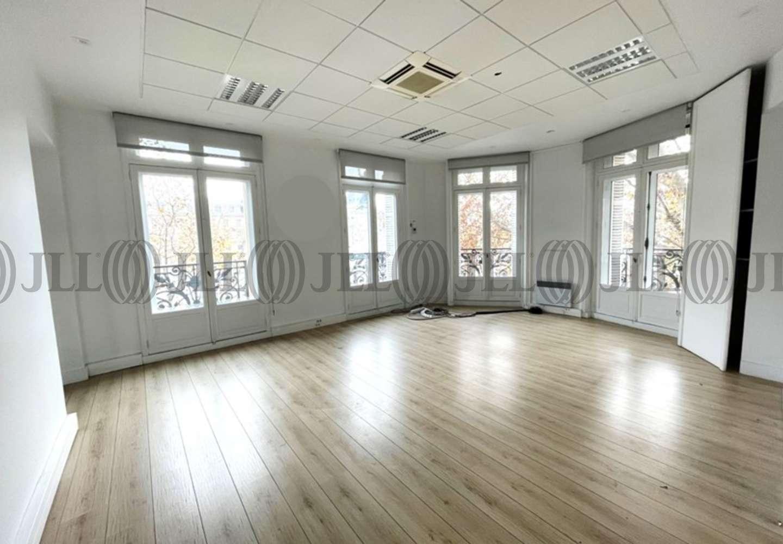 Bureaux Paris, 75003 - 15 PLACE DE LA REPUBLIQUE