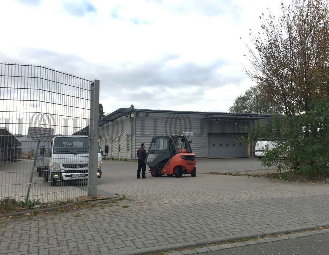 Hallen Hermsdorf, 39326