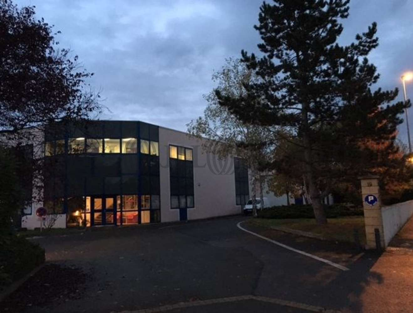Activités/entrepôt Poissy, 78300 - 19 RUE CHARLES EDOUARD JEANNERET - 9465138