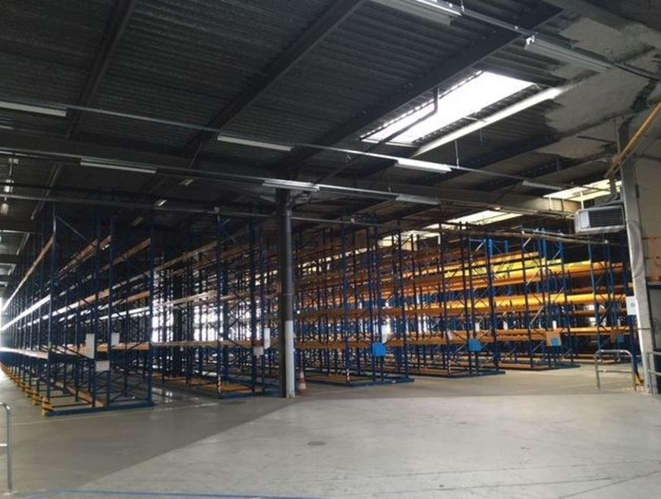 Activités/entrepôt Poissy, 78300 - 33-35 RUE CHARLES EDOUARD JEANNERET - 9462848