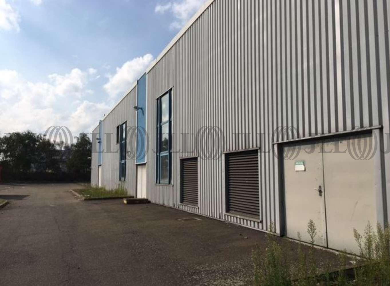 Activités/entrepôt Poissy, 78300 - 33-35 RUE CHARLES EDOUARD JEANNERET - 9462854
