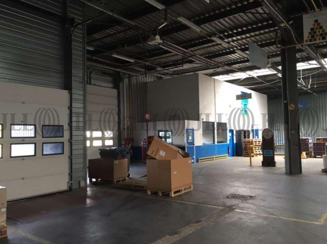 Activités/entrepôt Poissy, 78300 - 33-35 RUE CHARLES EDOUARD JEANNERET - 9462849