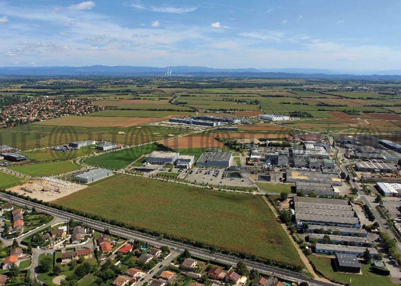 Activités/entrepôt Meyzieu, 69330 - M by P. - Location entrepot Lyon Meyzieu - 9761957