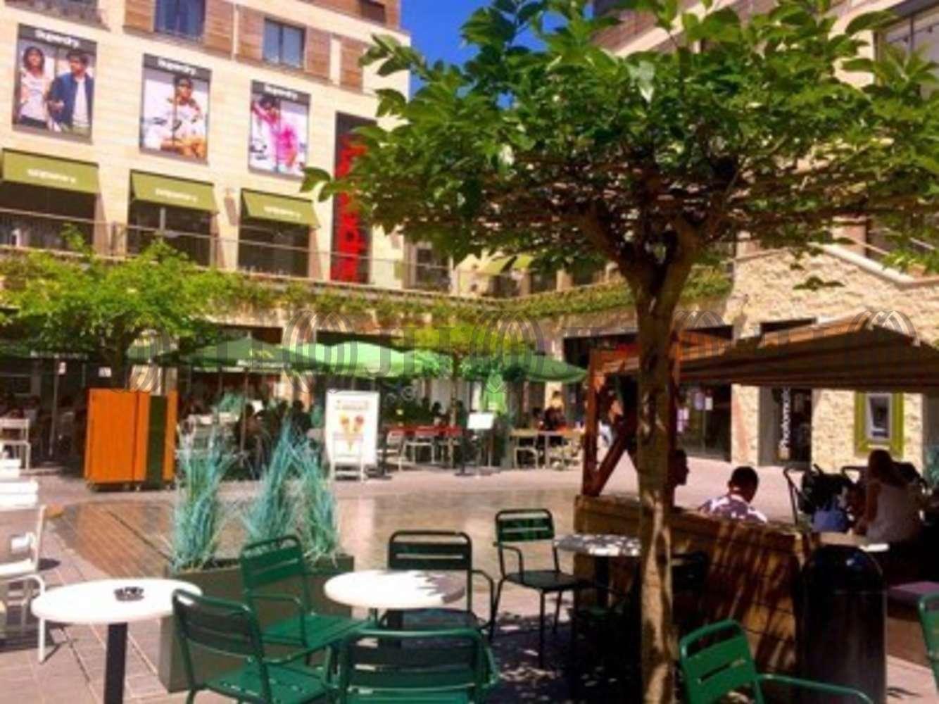 Commerces Bordeaux, 33000 - LINDT-PROMENADE STE-CATHERINE - 10473053