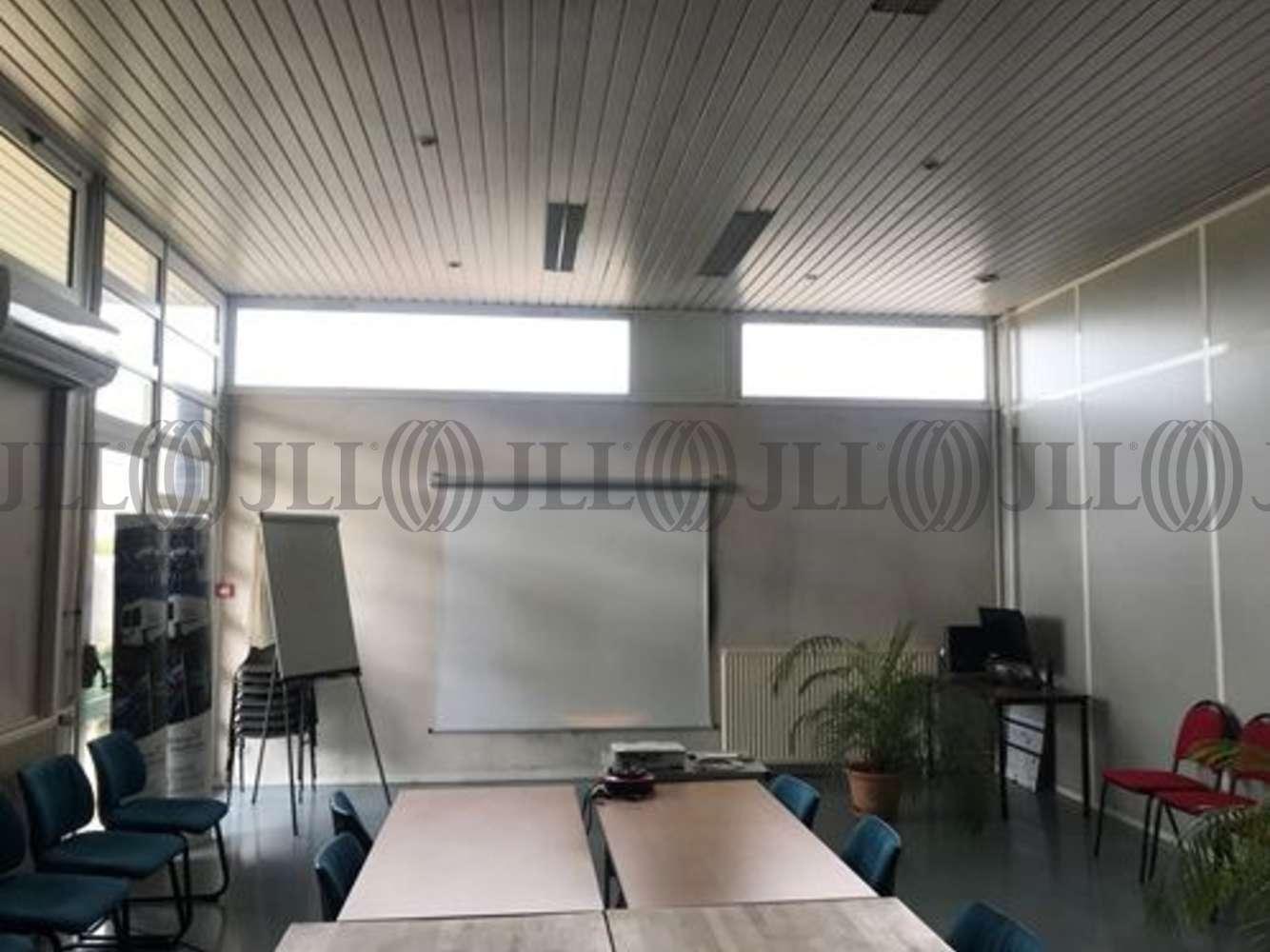 Activités/entrepôt Decines charpieu, 69150 - 11 RUE DE BARCELONE - 10829795