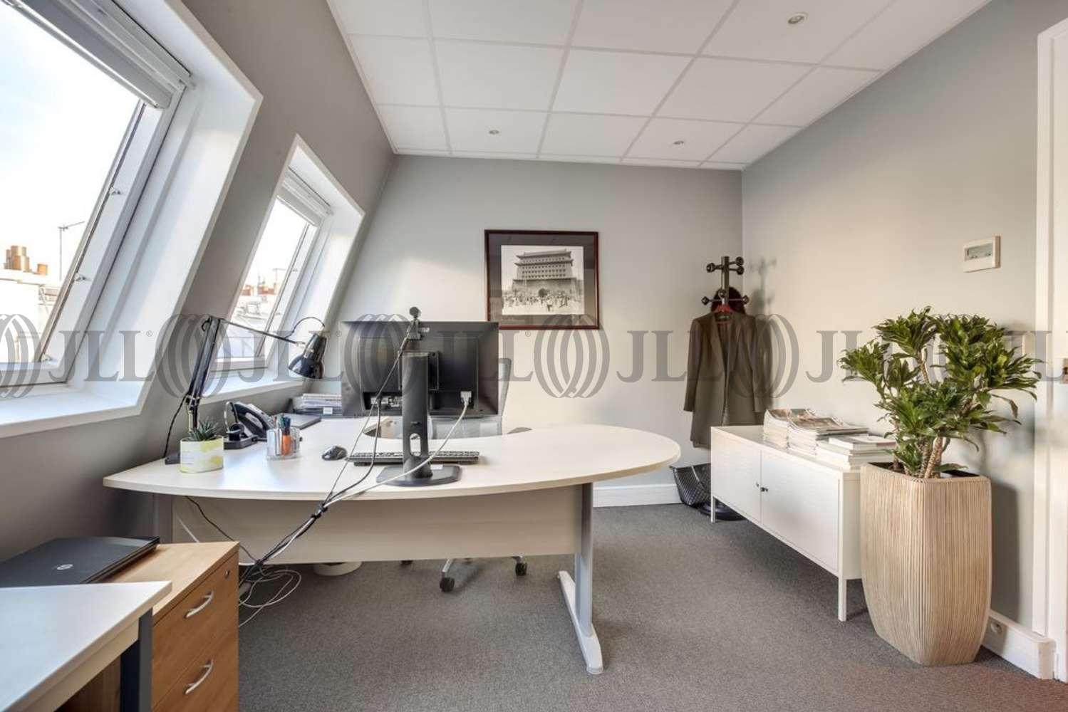Bureaux Paris, 75008 - 24 AVENUE GEORGE V - 10887751