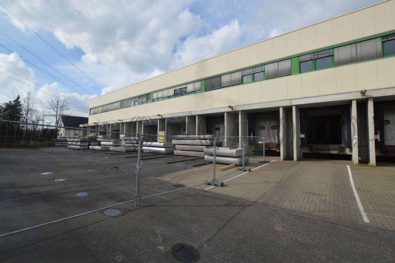 Hallen Koblenz, 56070