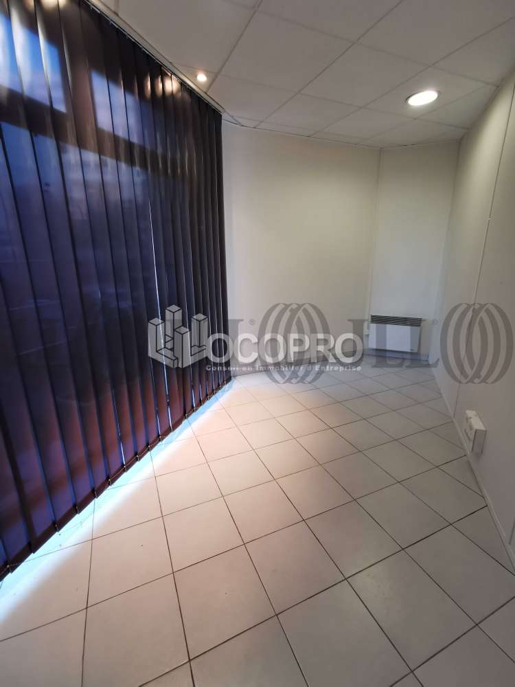 Commerces Cannes, 06150 - 10 RUE DE LA VERRERIE - 10939452