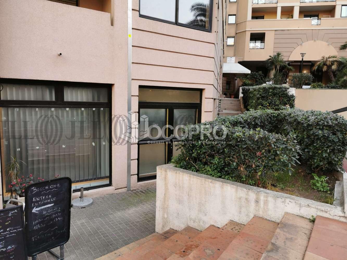 Commerces Cannes, 06150 - 10 RUE DE LA VERRERIE - 10939533