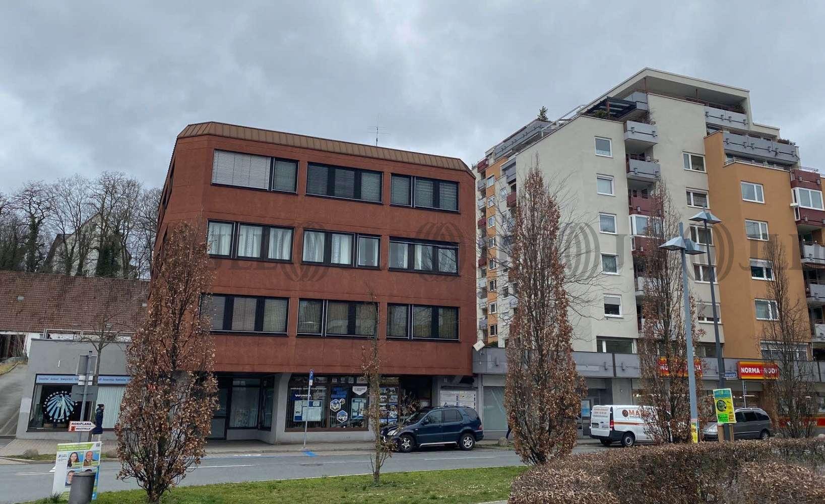 Ladenflächen Fürth, 90766