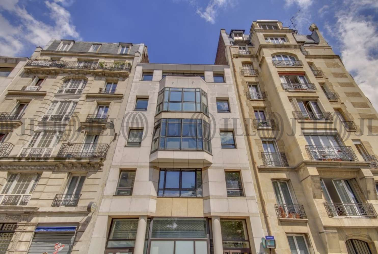 Bureaux Paris, 75018 - 18 RUE STEPHENSON