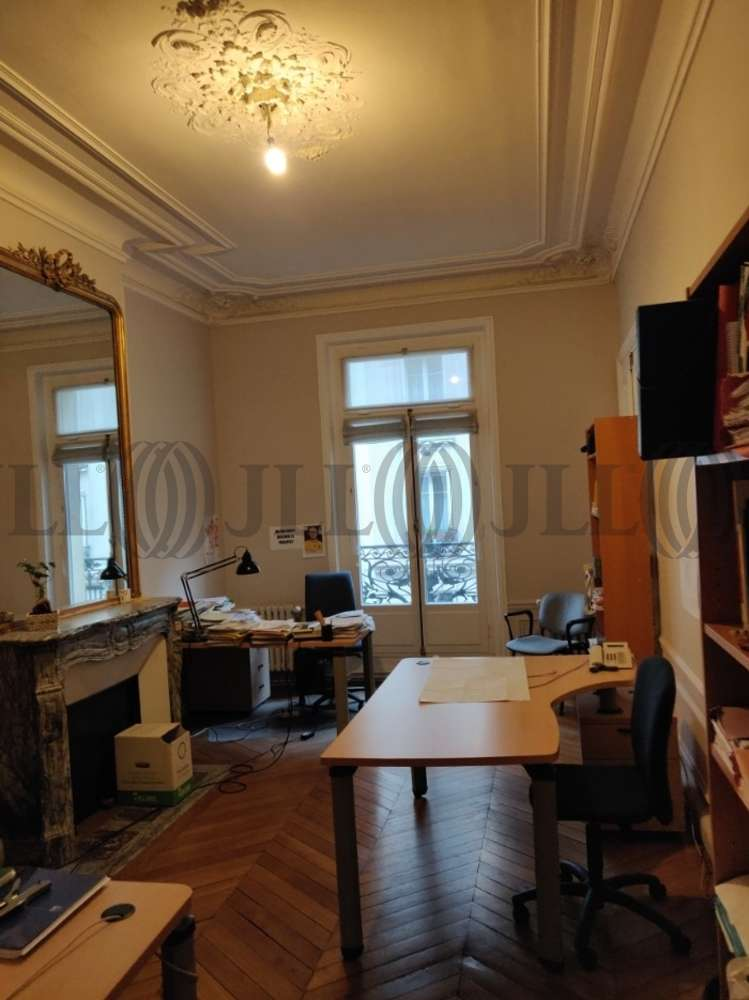 Bureaux Paris, 75008 - 33 RUE DE NAPLES
