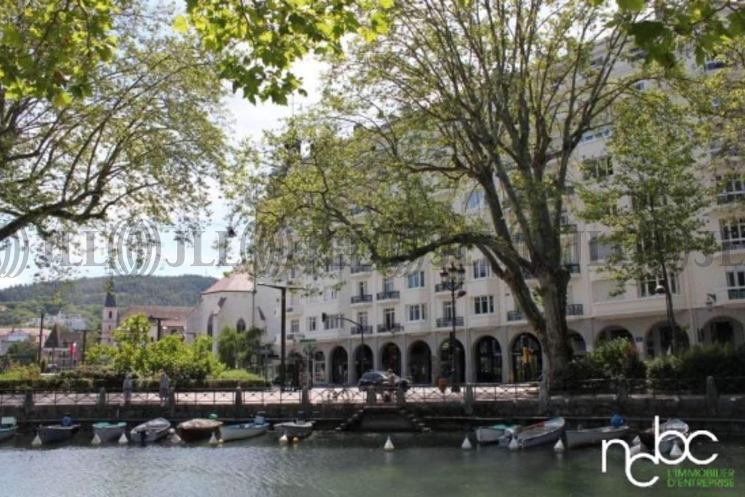 """Commerces Annecy, 74000 - """"LOCAL COMMERCIAL"""""""