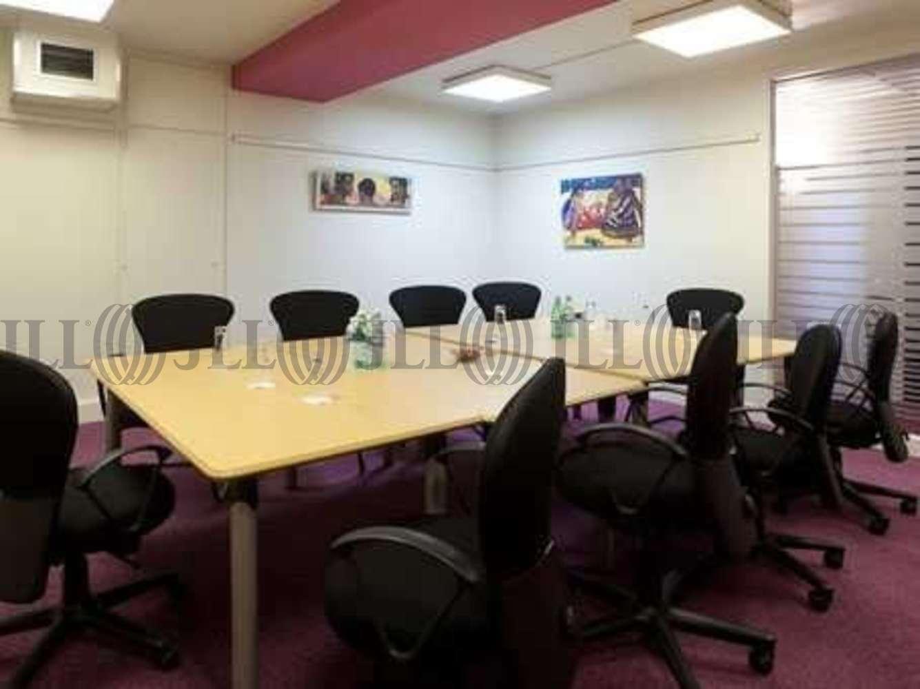 Bureaux Strasbourg, 67000 - CENTRE D'AFFAIRES STRASBOURG LES HALLES - 9448904