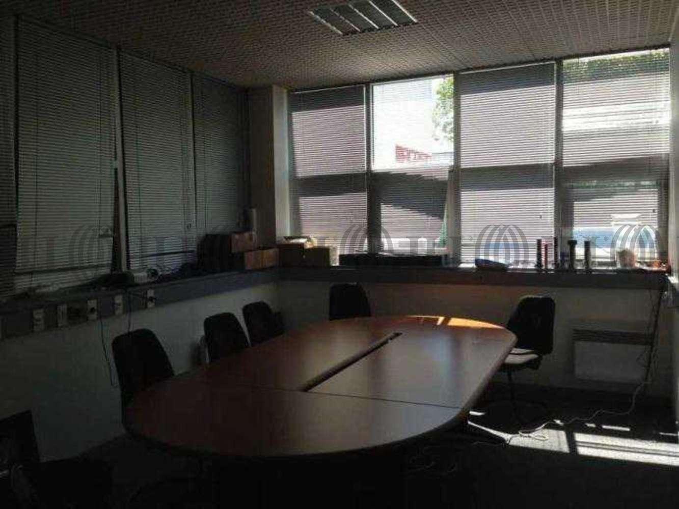 Activités/entrepôt Bondoufle, 91070 - 20 RUE GUSTAVE MADIOT - 9452383