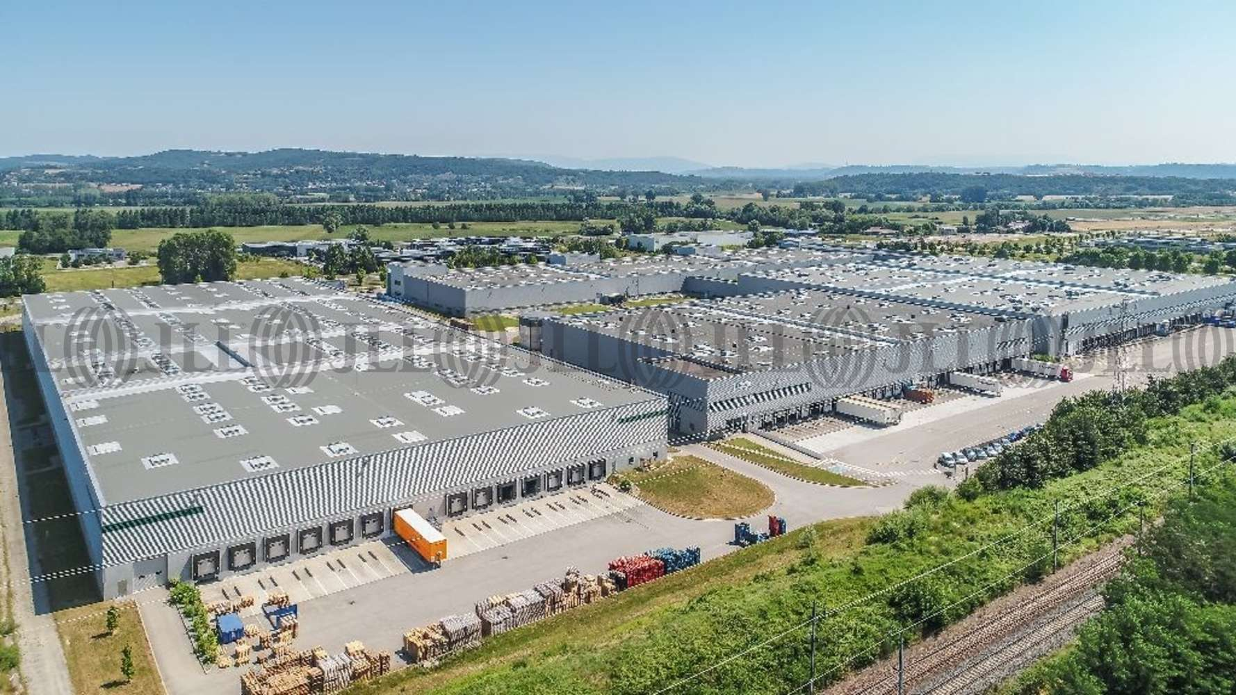 Plateformes logistiques Vaulx milieu, 38090 - A louer - entrepôt logistique Isère (38) - 9632130
