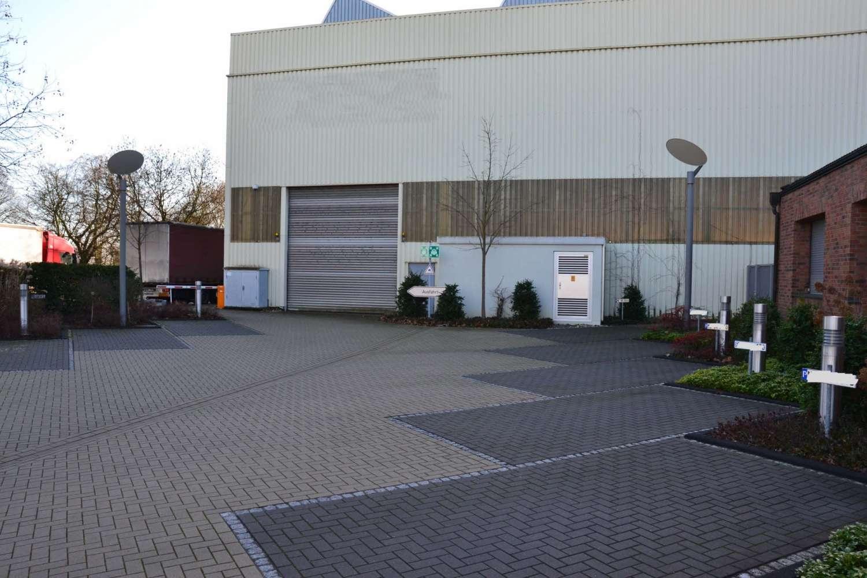 Hallen Hilden, 40721 - Halle - Hilden - D1665 - 9404980