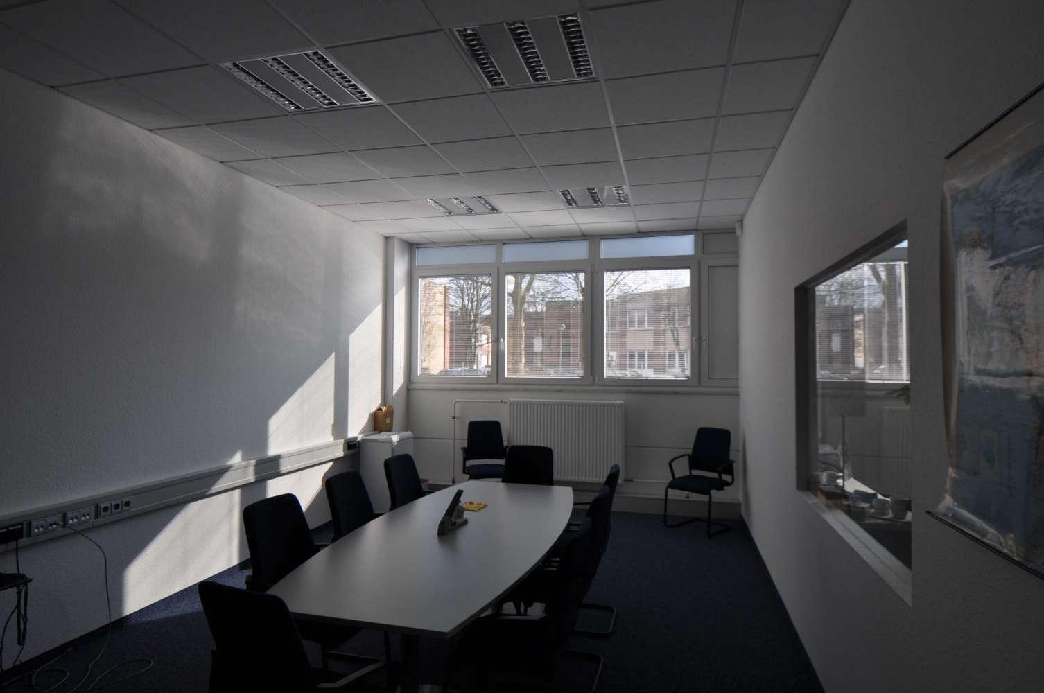 Hallen Düsseldorf, 40472 - Halle - Düsseldorf, Lichtenbroich - D1312 - 9410008