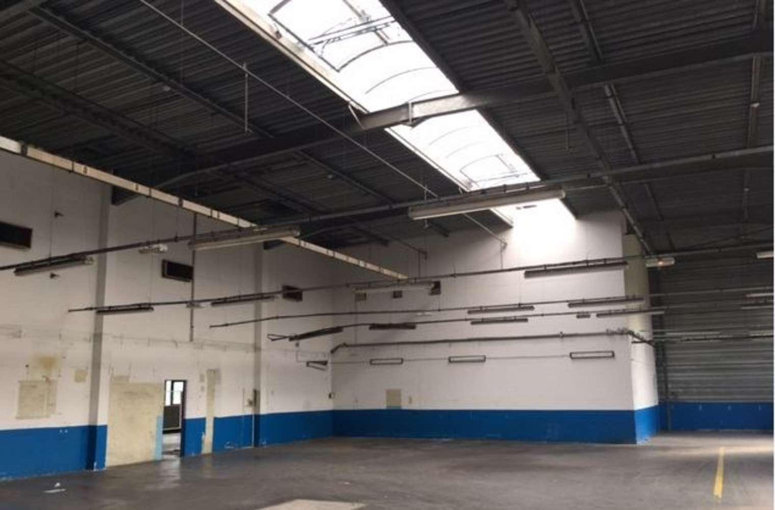 Activités/entrepôt Poissy, 78300 - 33-35 RUE CHARLES EDOUARD JEANNERET - 9462850