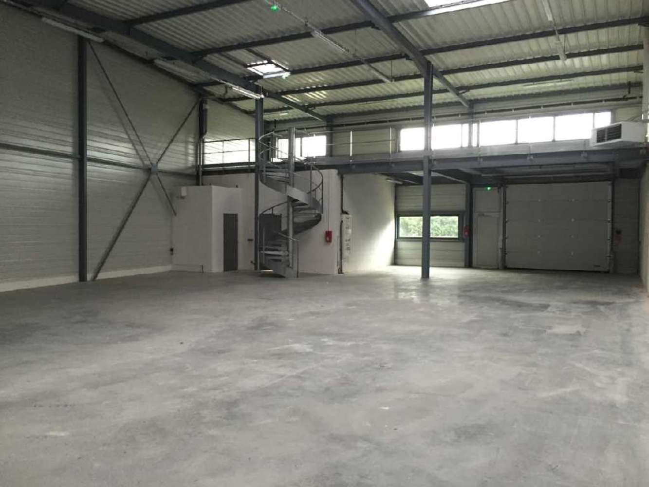 Activités/entrepôt Grigny, 91350 - 12-14 RUE DES CARRIERS ITALIENS - 9458622