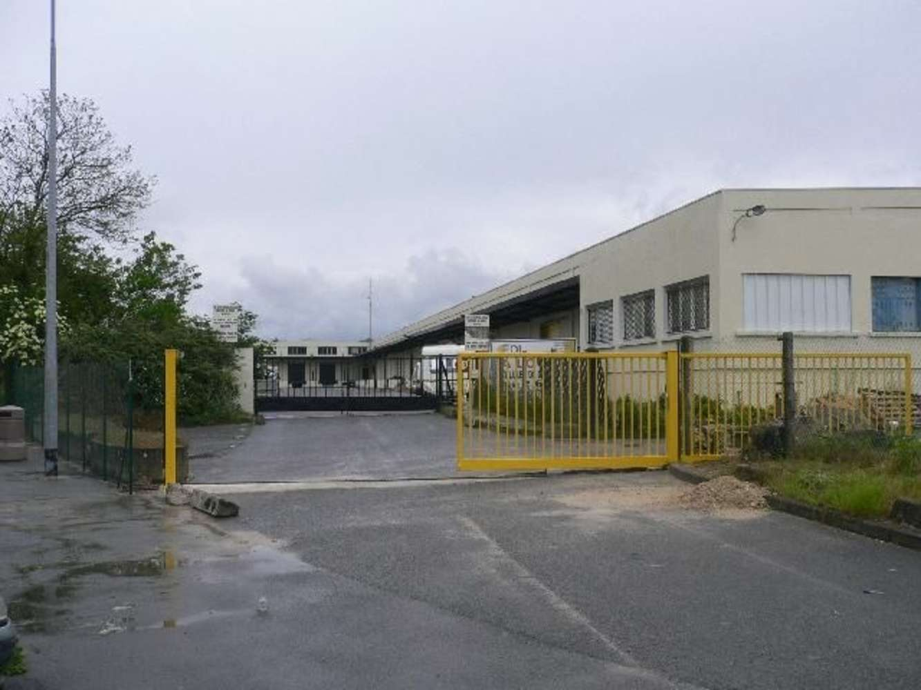 Activités/entrepôt Meaux, 77100 - 42 AVENUE DES SABLONS BOUILLANTS - 9447588