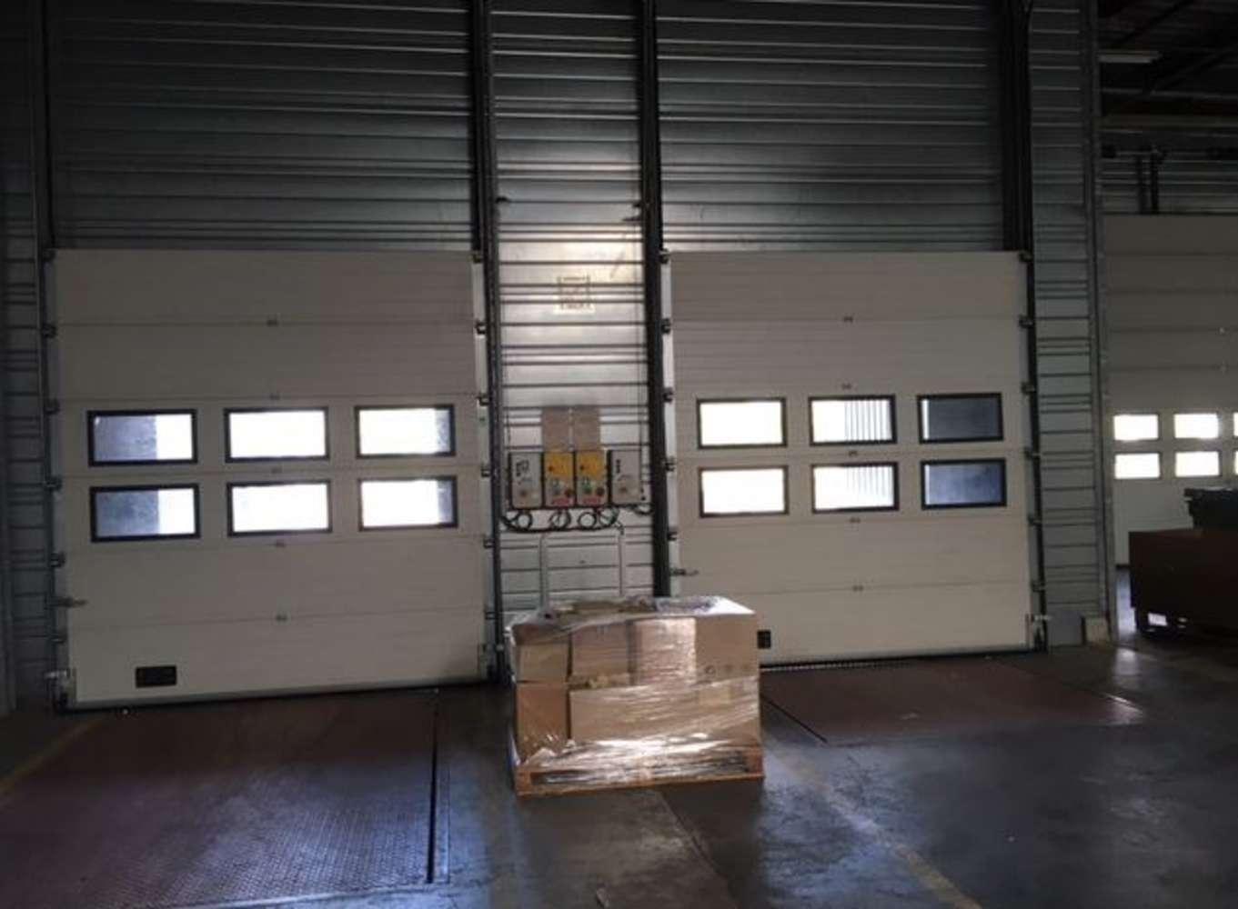 Activités/entrepôt Poissy, 78300 - 33-35 RUE CHARLES EDOUARD JEANNERET - 9462851
