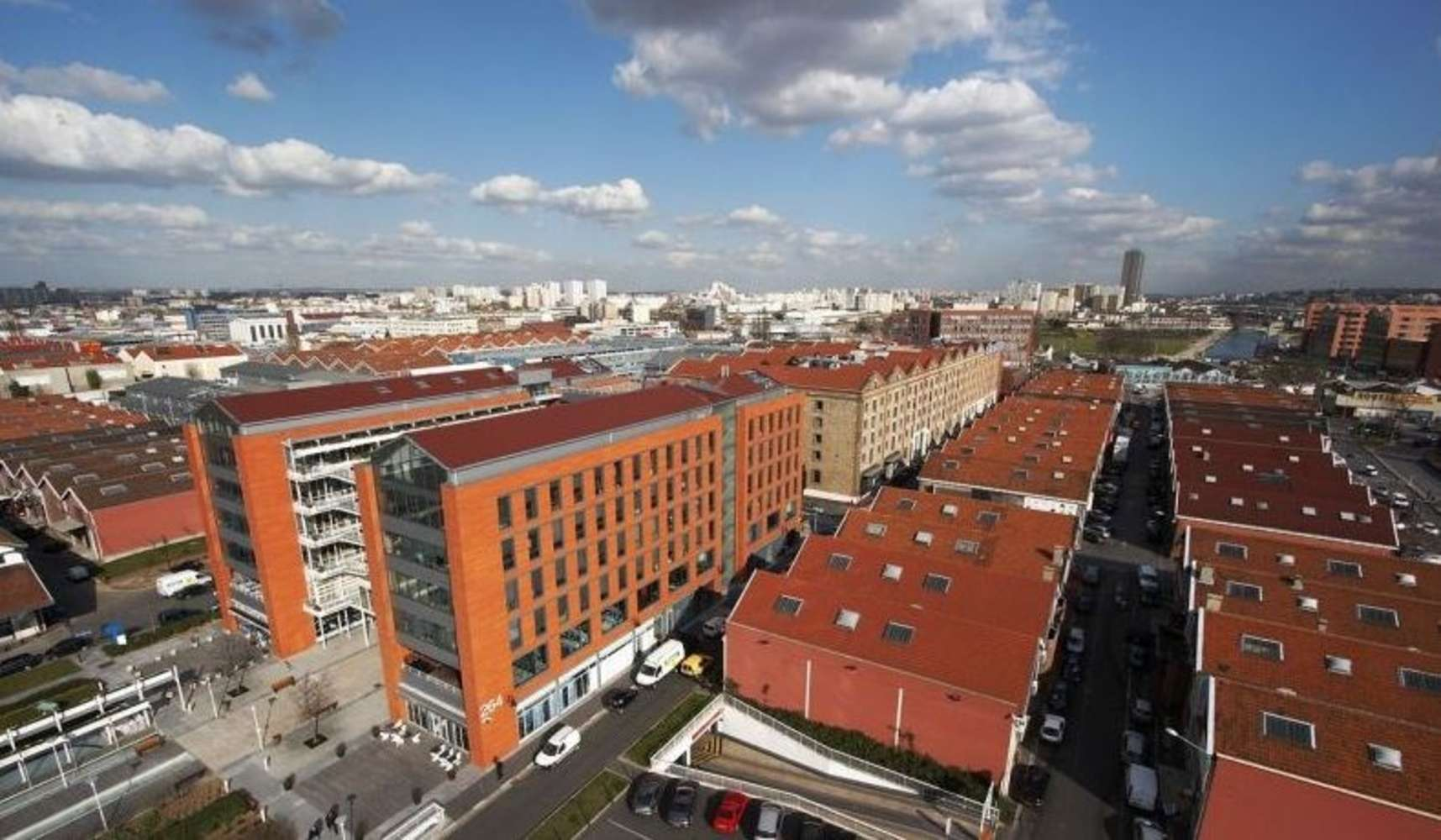 Activités/entrepôt Aubervilliers, 93300 - PARC DES PORTES DE PARIS - BAT. 211 - 9459474