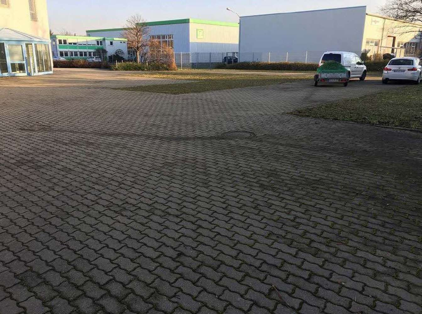 Hallen Coswig, 01640 - Halle - Coswig - B1387 - 9536123