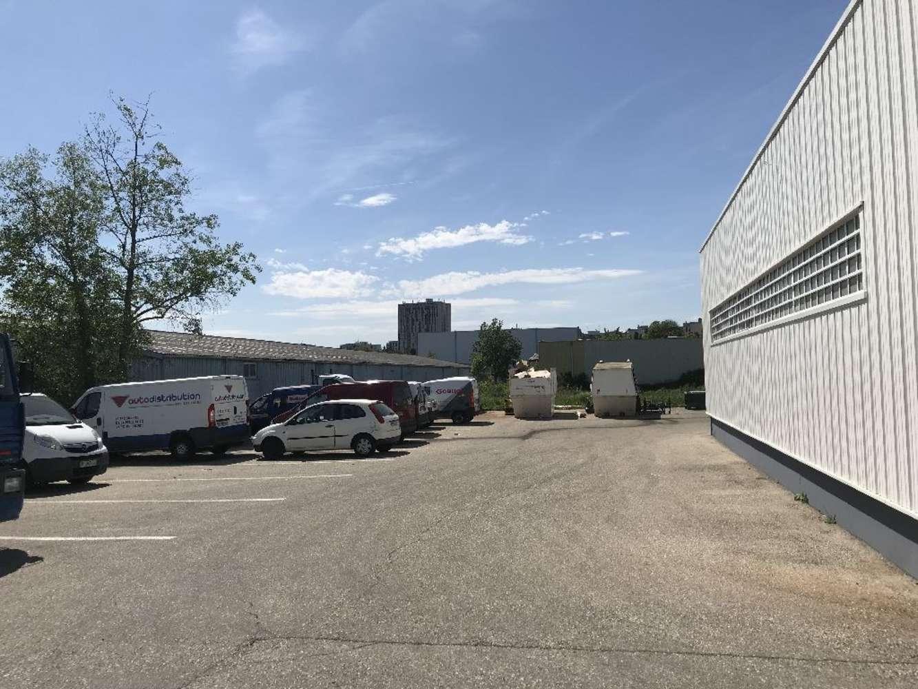 Activités/entrepôt St genis laval, 69230 - Location bâtiment adapté négoce Lyon - 9542989