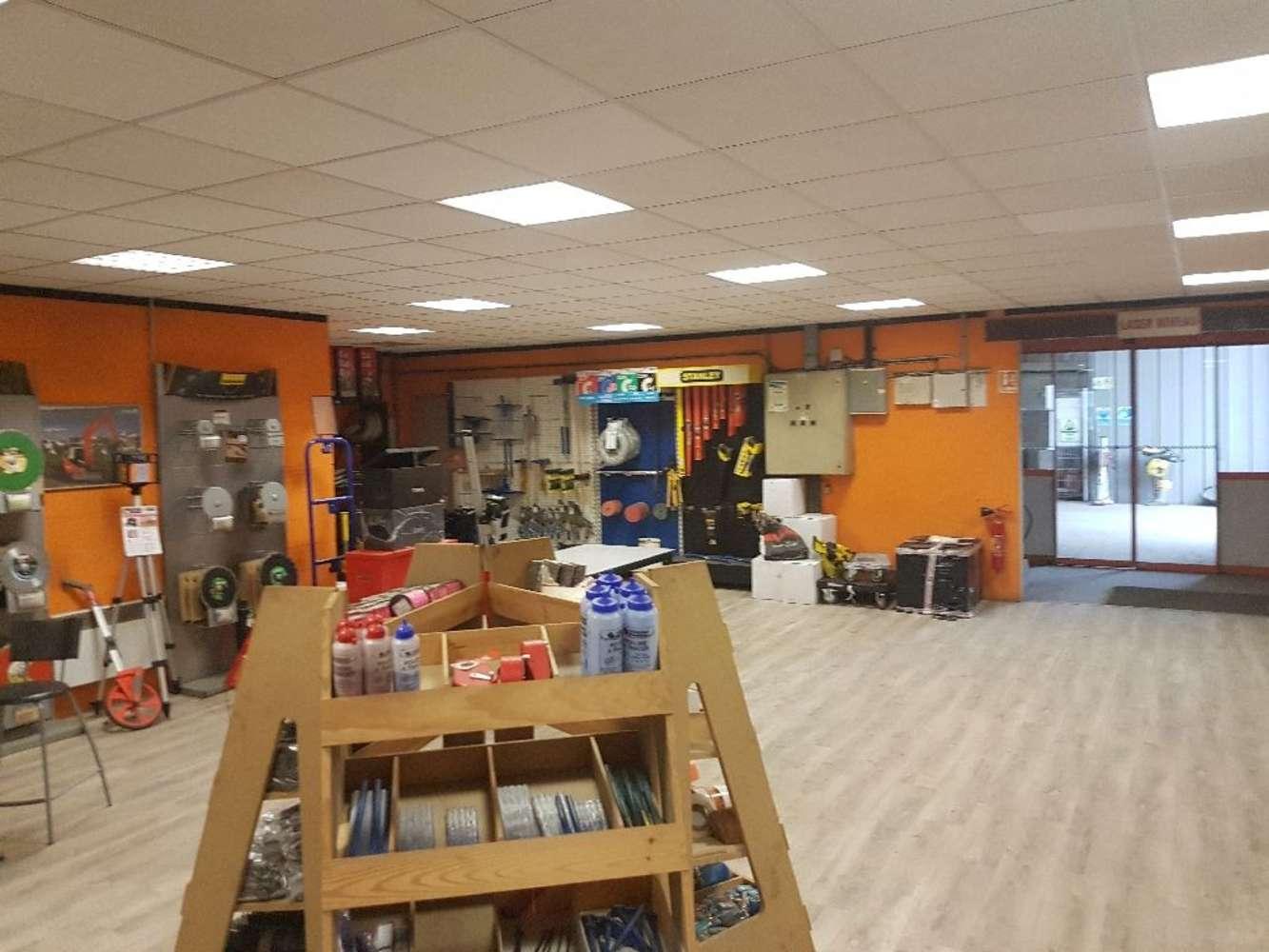 Activités/entrepôt Chassieu, 69680 -  Entrepot à louer Chassieu - Mi-Plaine - 9582957