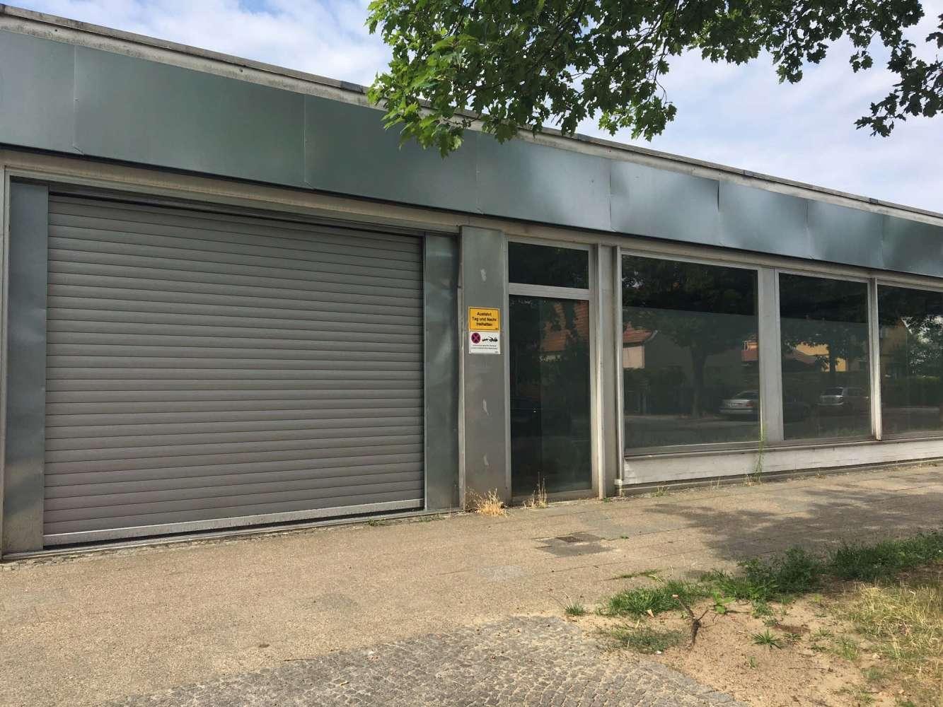 Hallen Berlin, 13435 - Halle - Berlin, Wittenau - B0173 - 9583563