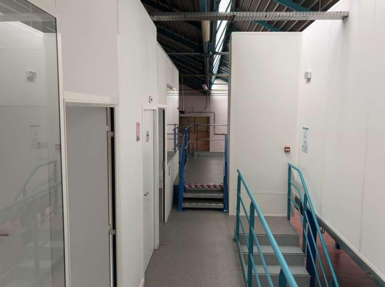 Activités/entrepôt Lyon, 69007 - Location locaux d'activité Lyon 7ème - 9586884