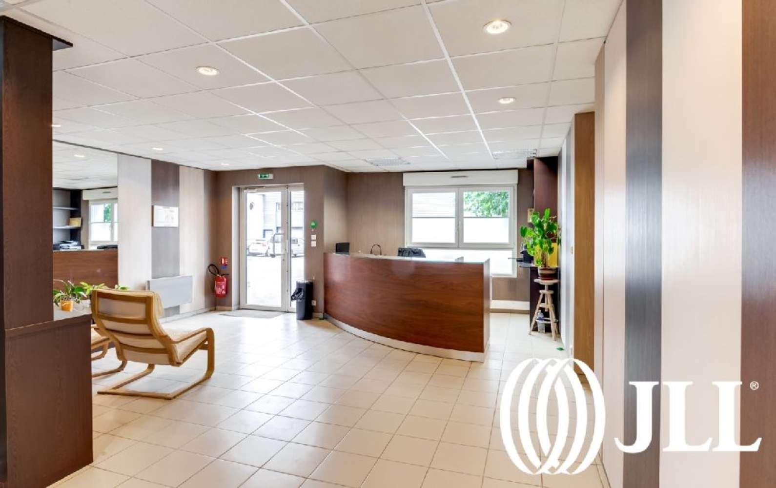 Activités/entrepôt Chambly, 60230 -  RUE HENRI BECQUEREL - 9737403