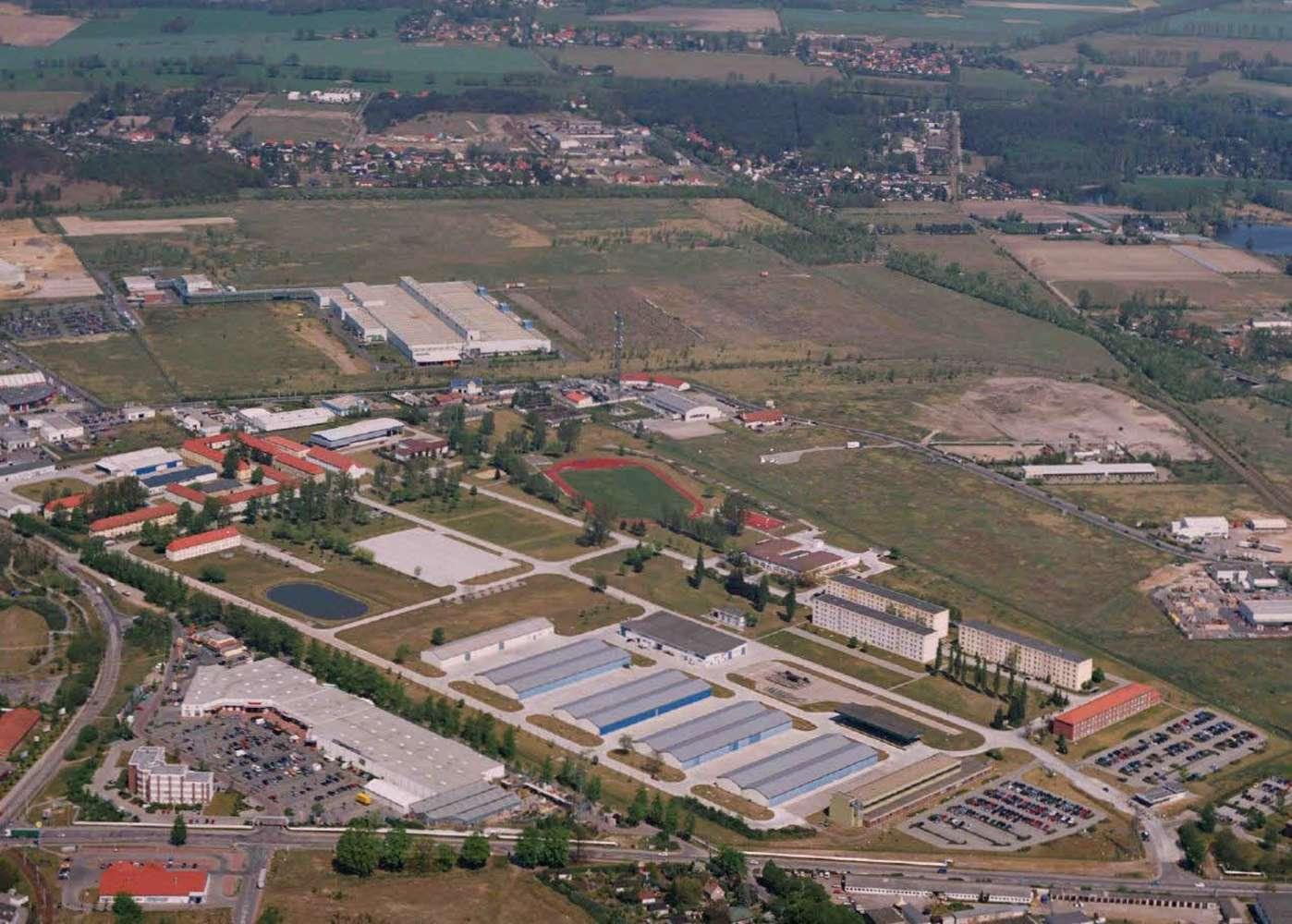 Hallen Brandenburg an der havel, 14772 - Halle - Brandenburg an der Havel, Nord - B0997 - 9800006