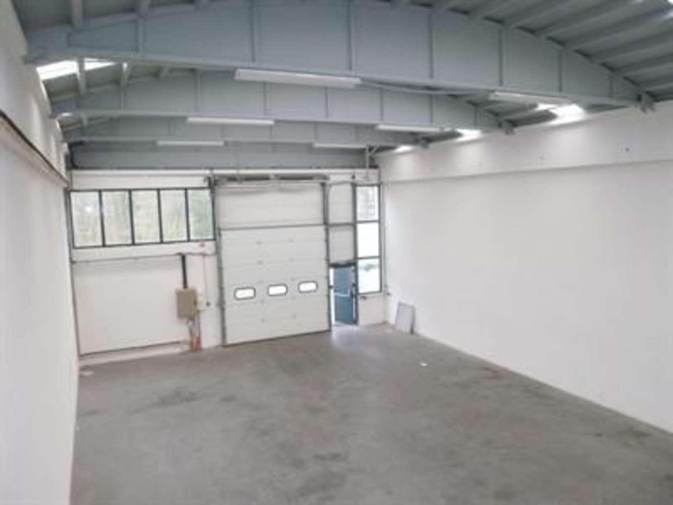 Activités/entrepôt Genay, 69730 - Location locaux d'activité Lyon Nord - 9802481
