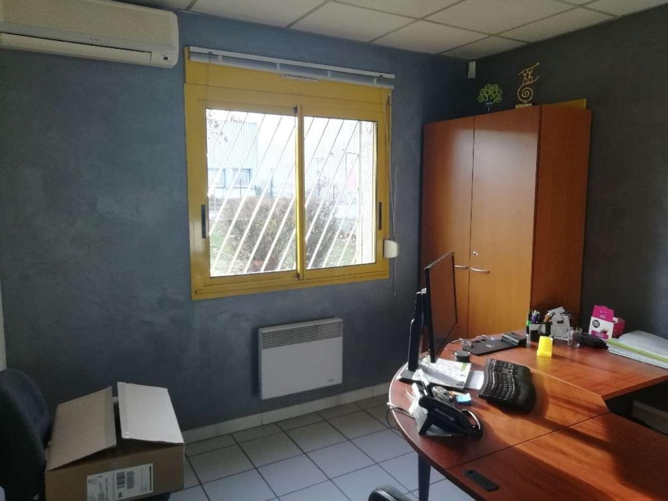 Activités/entrepôt St laurent de mure, 69720 - Entrepot à louer ou à vendre Lyon Est - 9861188