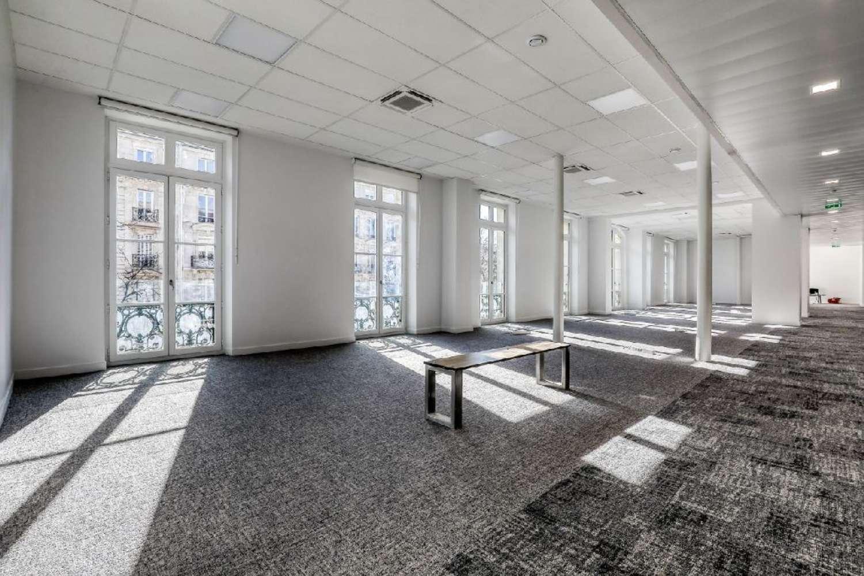 Bureaux Paris, 75011 - PATCHWORK REPUBLIQUE - 9990432