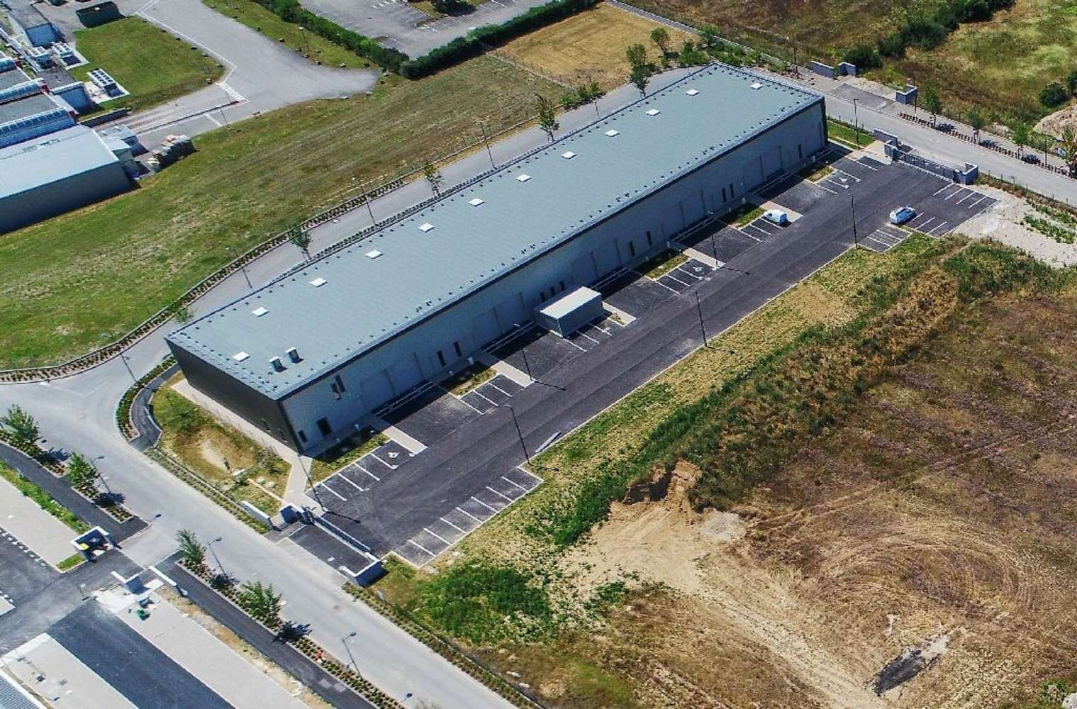 Activités/entrepôt Beynost, 01700 - LOCATION LOCAUX D'ACTIVITÉ LYON NORD - 10021077